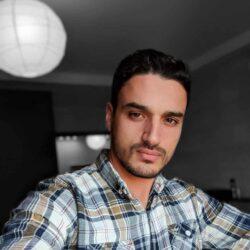 Anas Shroof, graphic designer employee